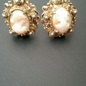 Jewelry - Vintage Cameo Earrings